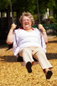 Irmgard Wiegel (2.v.r.) hat bei den Veranstaltungen des Nachbarschaftshilfevereins ihre Lebensfreude wiedergefunden.
