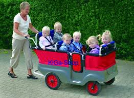Ausflüge mit sechs Kindern - der Krippenwagen macht es möglich
