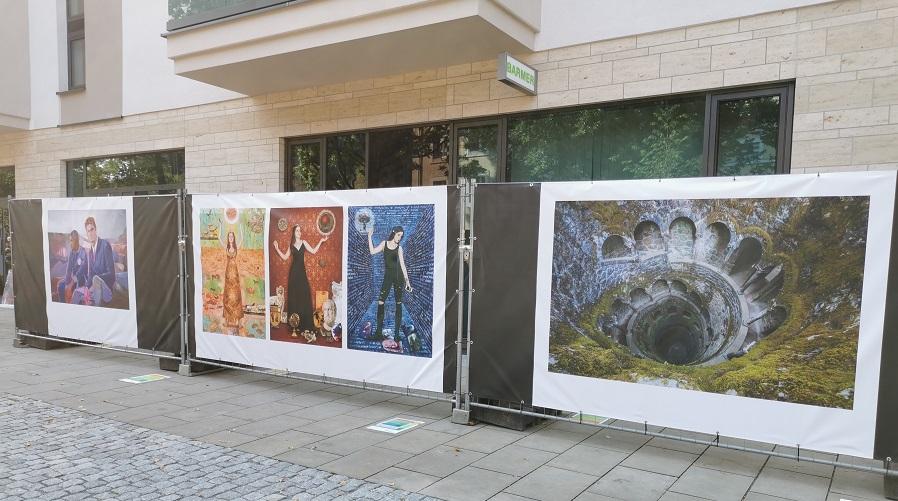 Bauzaungalerie hilft Kunst